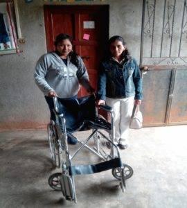 Cadira de rodes per a persones necessitades