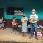 Els Ajuntaments de Gandia, Ontinyent i Alzira junt a Escoles Solidàries recolzen l'alfabetització de persones.