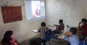Reduint la bretxa social i educativa en àrees rurals en Centreamèrica.