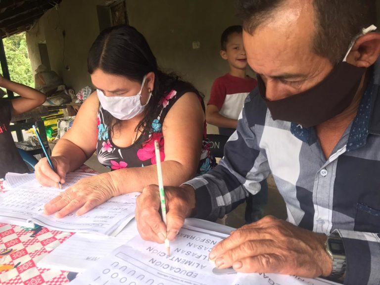 Lee más sobre el artículo Escuelas solidarias para Alfabetizar poblaciones vulnerables de 3 comunidades rurales en el Trifinio Centroamericano