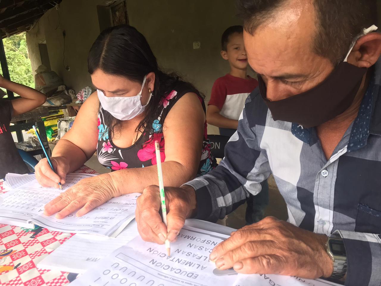 Escuelas solidarias para Alfabetizar poblaciones vulnerables de 3 comunidades rurales en el Trifinio Centroamericano